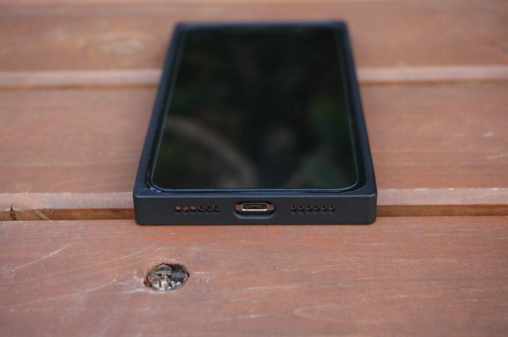 iPhone XS ケース ミミッキュ