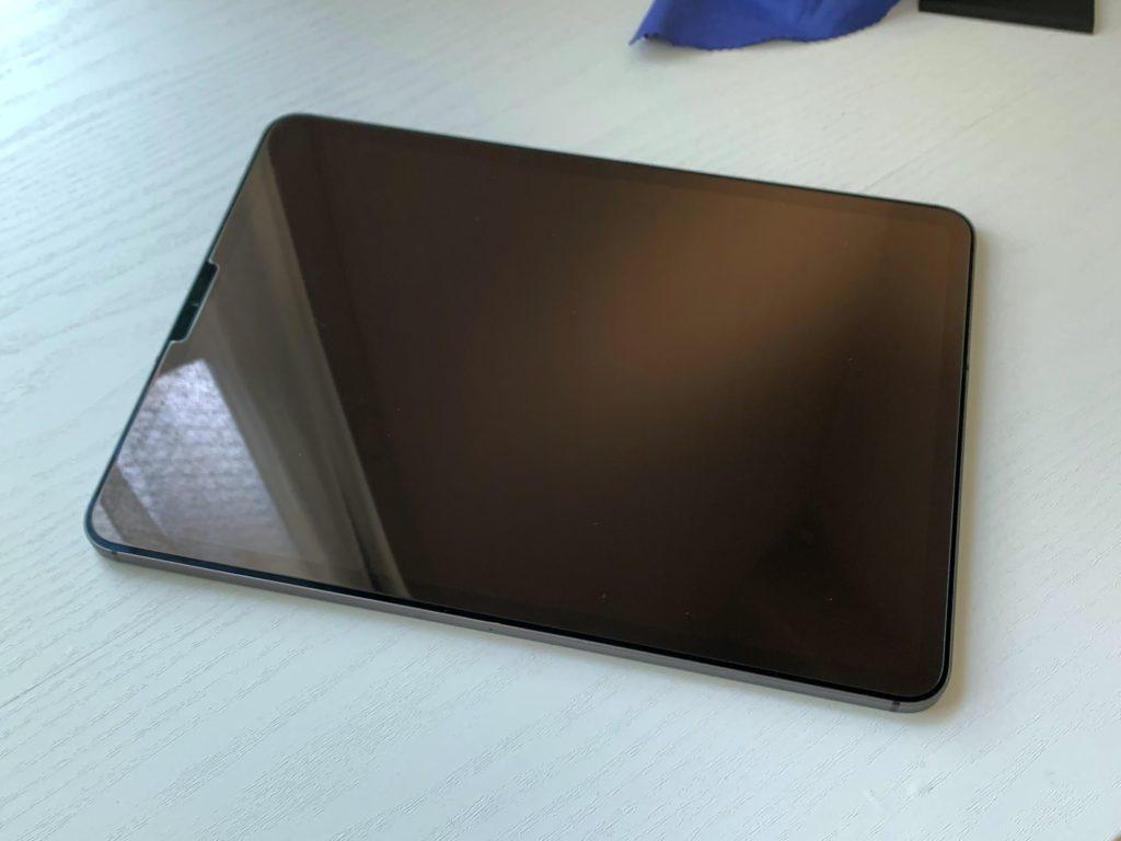Spigen iPad Pro 11 ガラスフィルム
